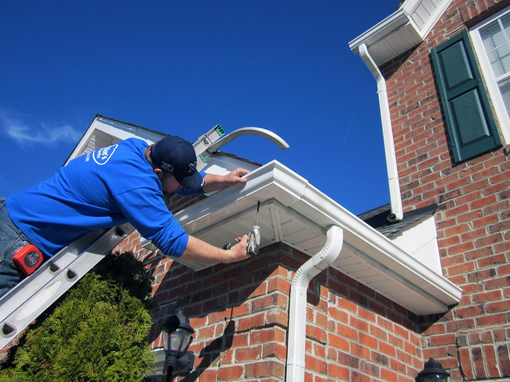 What is the best way to do rain gutter installation clean pro gutters what is the best way to do rain gutter installation solutioingenieria Gallery